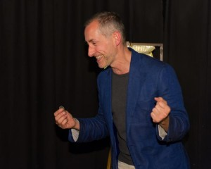 """Pop Up Magic"" Zaubershow im Cafe Tachles an Karmeliterplatz. Künstler des Abends: Philipp Kainz, Paul Aurel, Mark Albert, Flo Mayer, Robert Woitsch, Oliver Kainc."